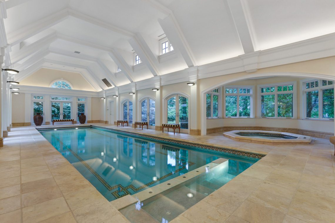 18 – 118 Forest Drive – Indoor Pool