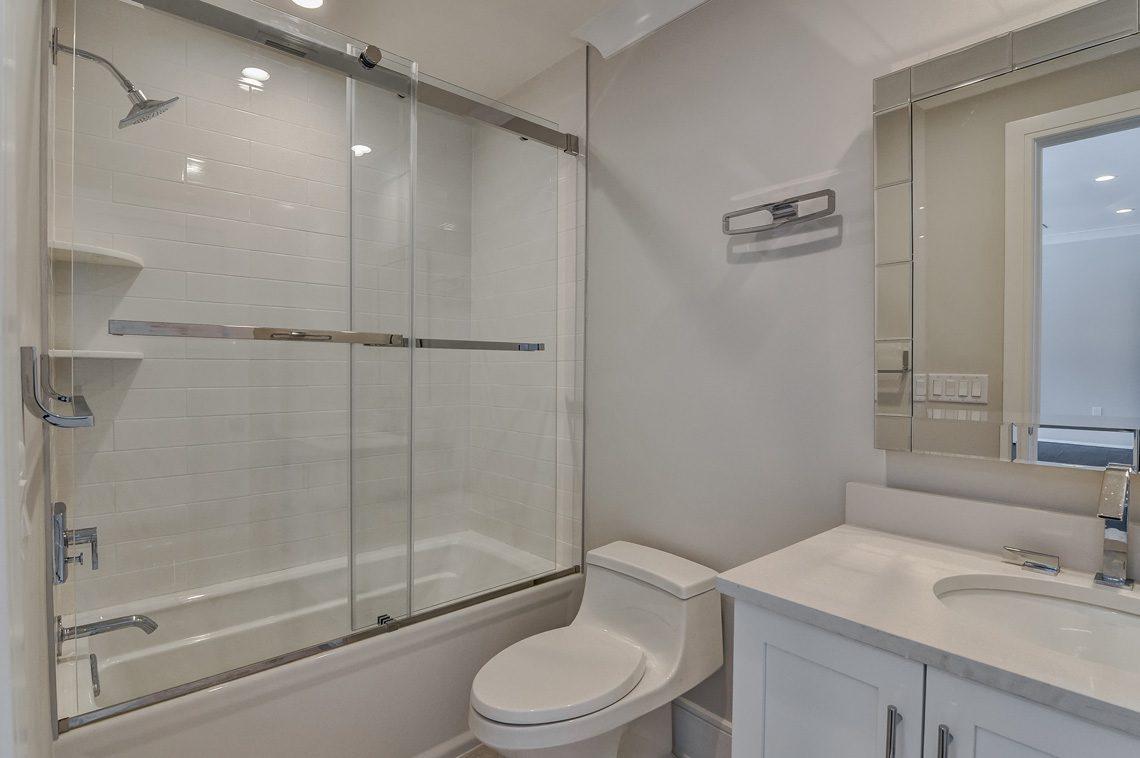 18 – 7 Saratoga Way – Bedroom 4 En Suite Bath