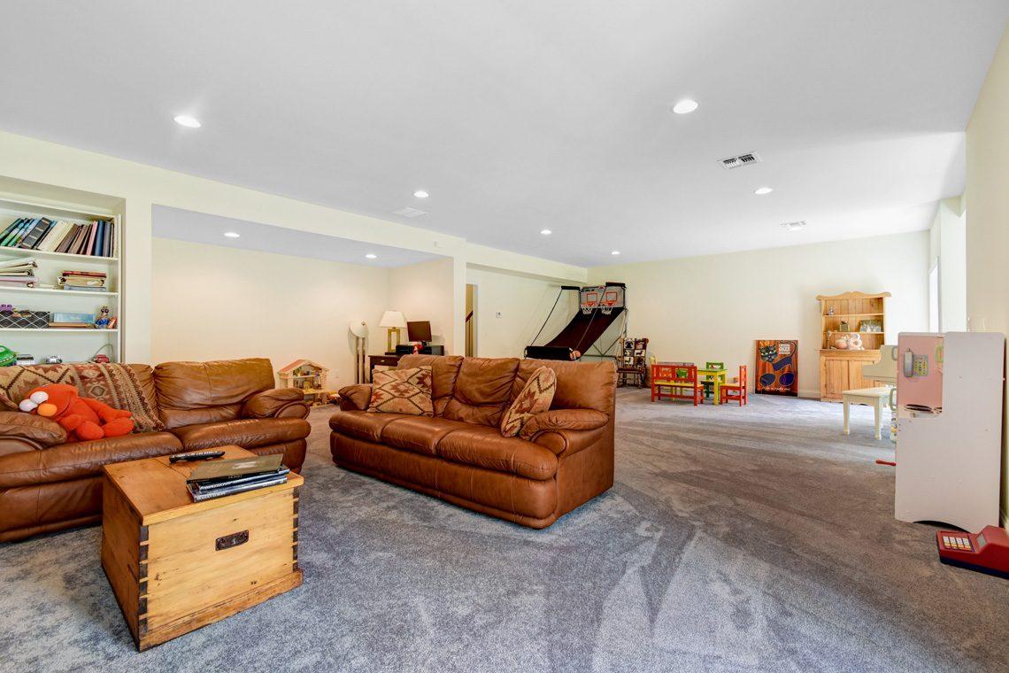 21 – 14 Metzger Drive – Recreation Room