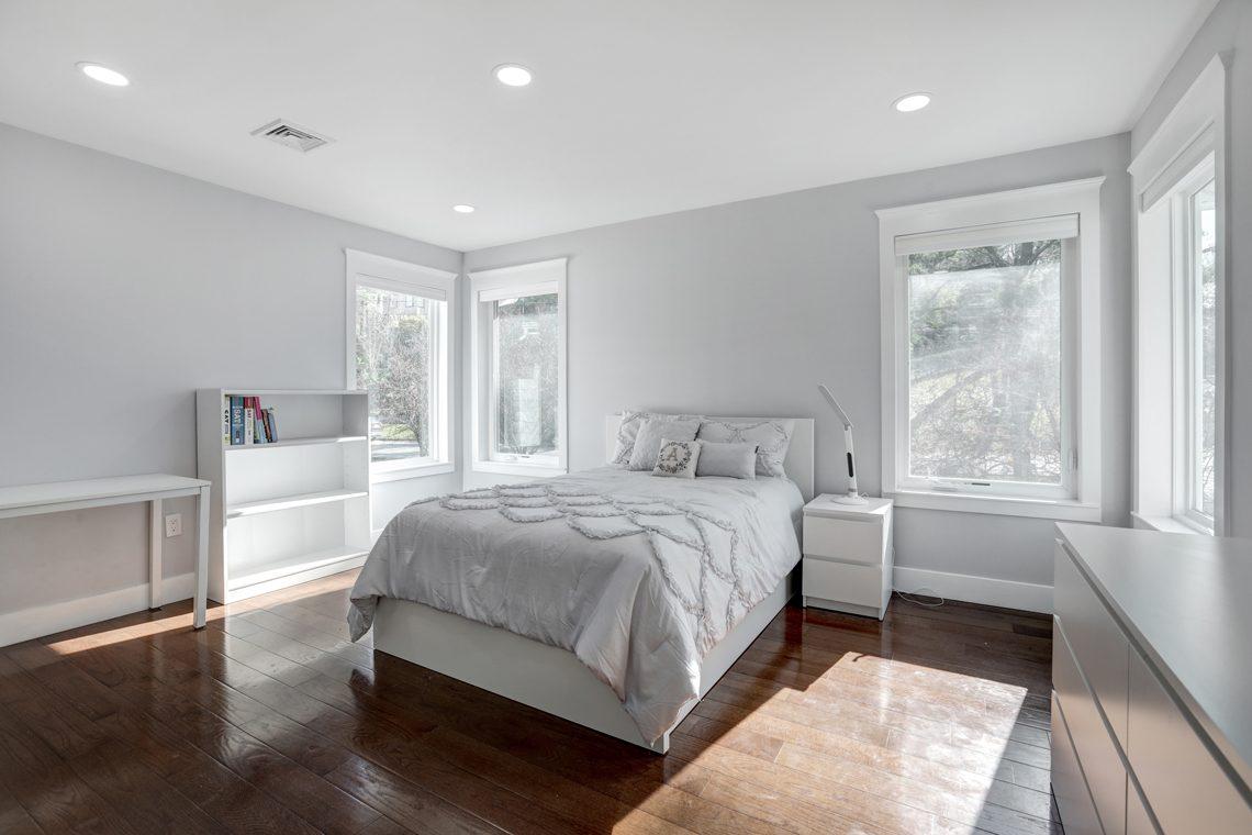 21 – 9 Highview Road – Bedroom