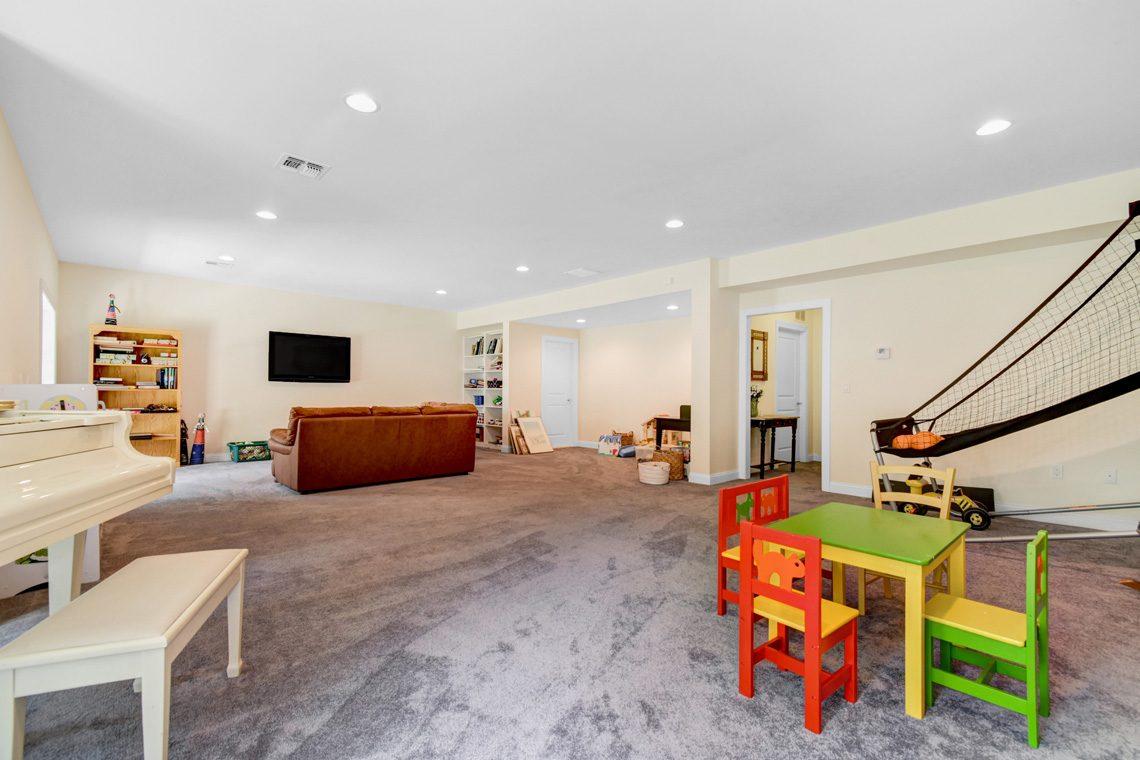 22 – 14 Metzger Drive – Recreation Room