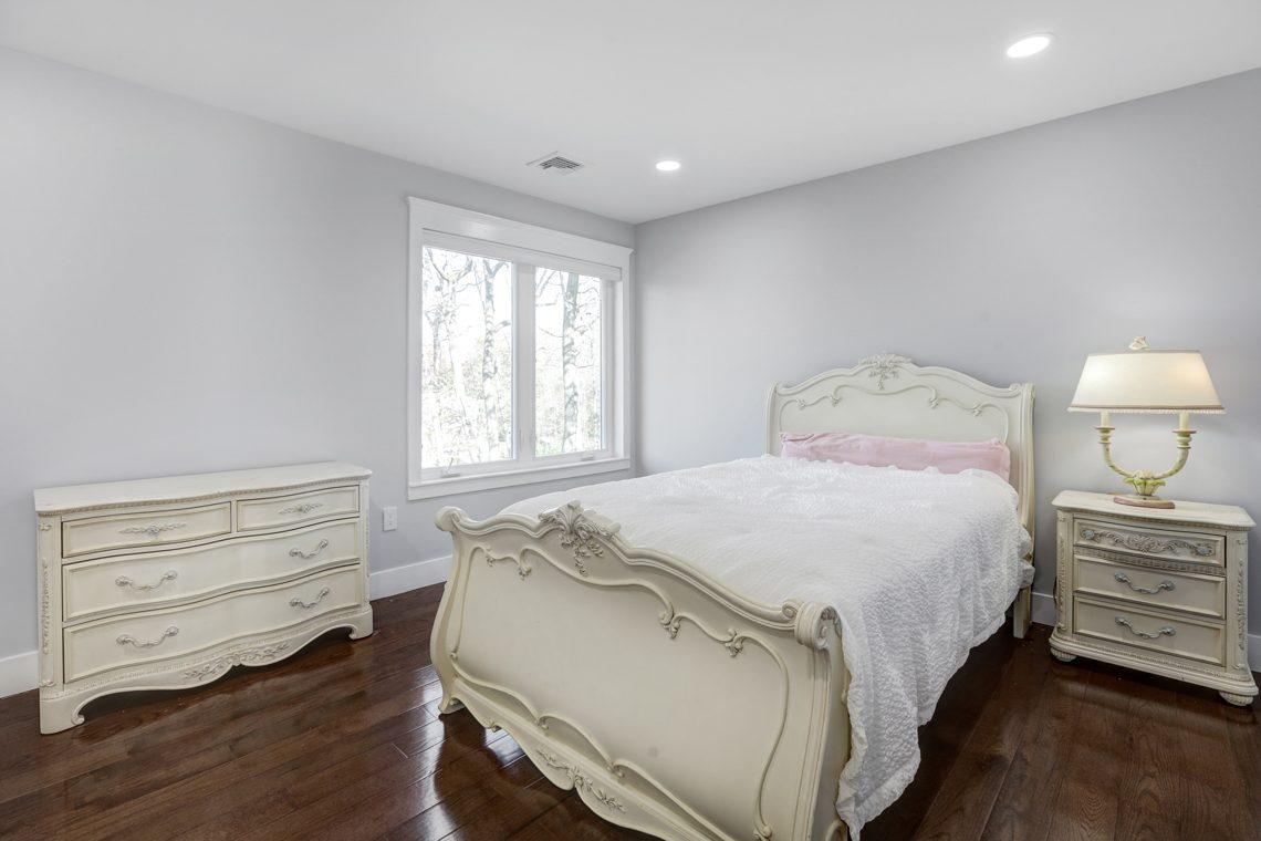 22 – 9 Highview Road – Bedroom