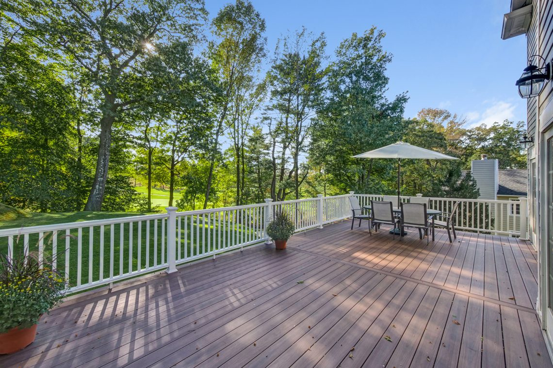 24 – 89 Browning Road – Beautiful Deck