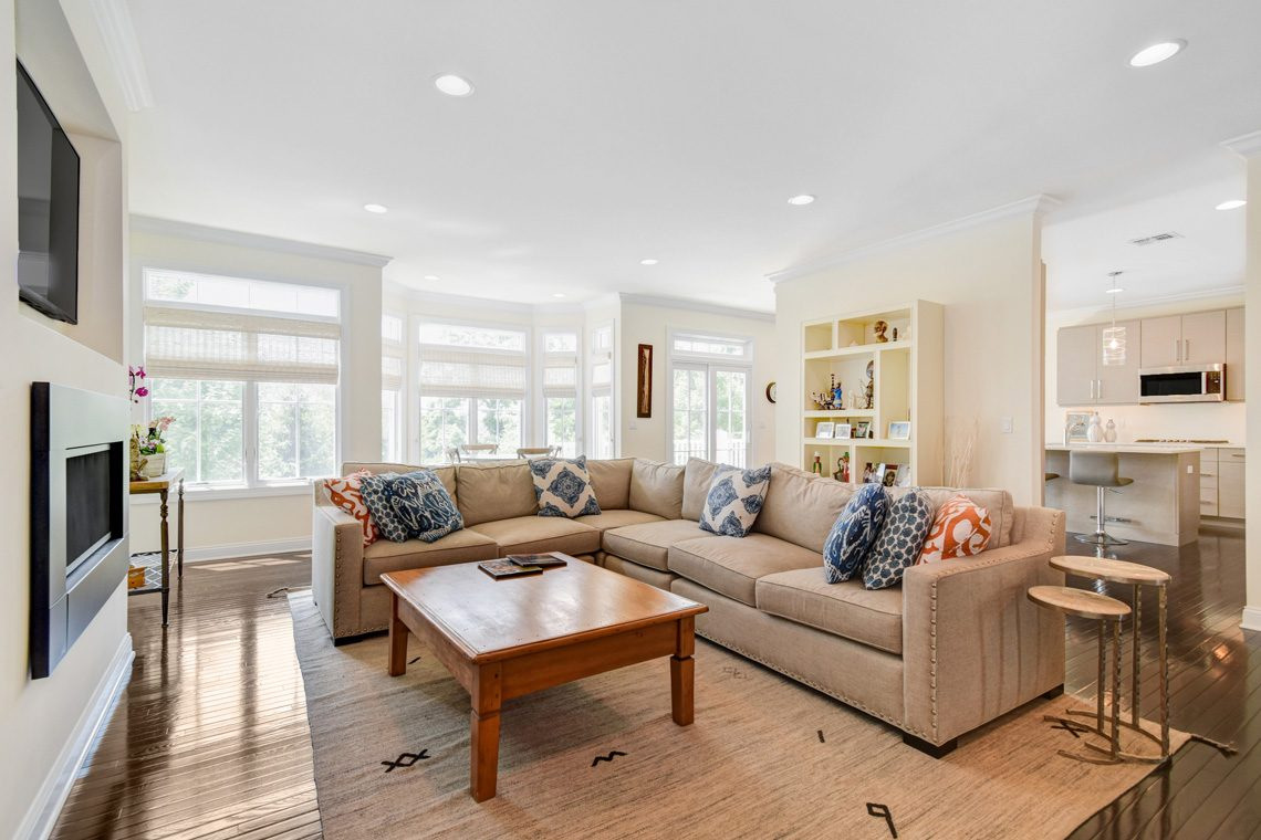 3 – 14 Metzger Drive – Family Room