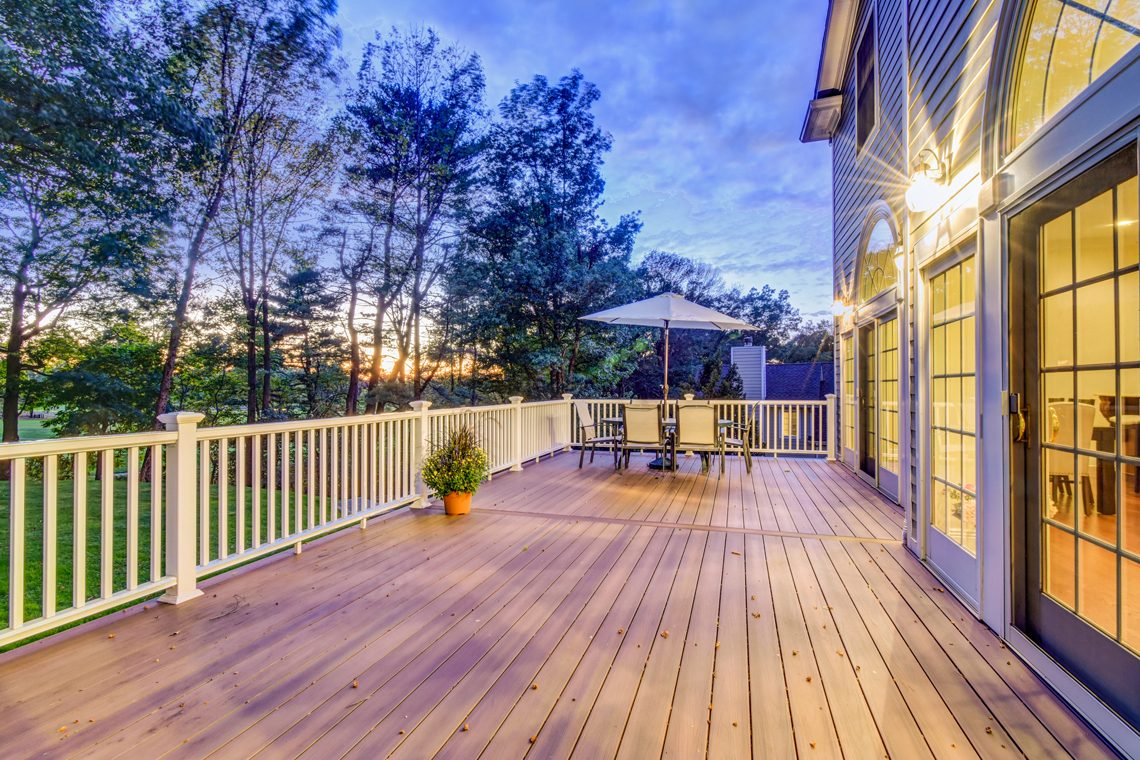 3 – 89 Browning Road – Beautiful Deck with Stunning Views