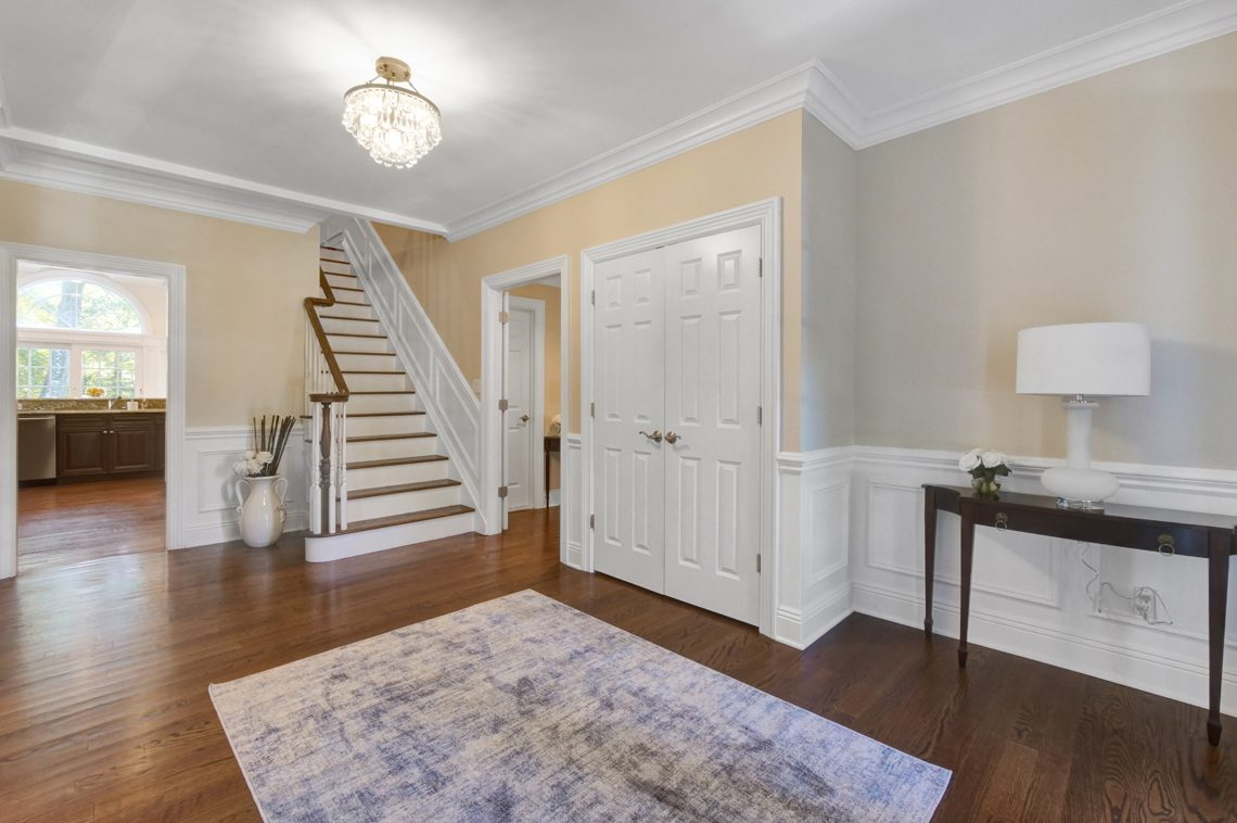 4 – 89 Browning Road – Foyer