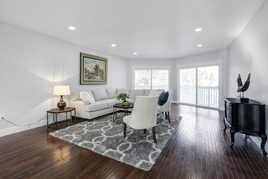 4 – 9 Highview Road – Living Room