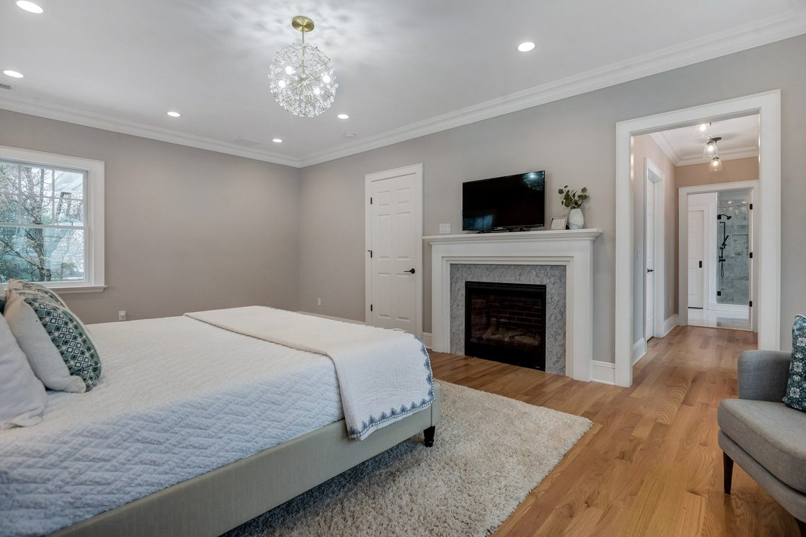 15 – 16 Sheridan Drive – Master Bedroom