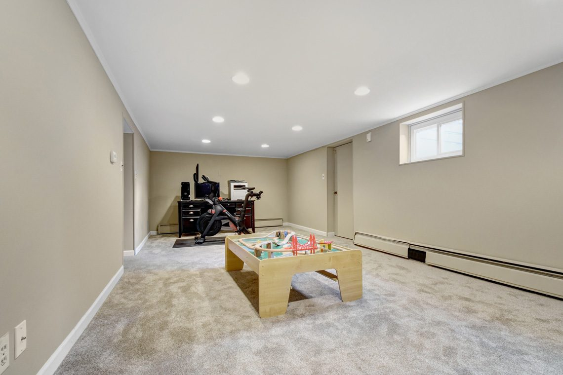 21 – 45 Parkview Drive – Recreation Room
