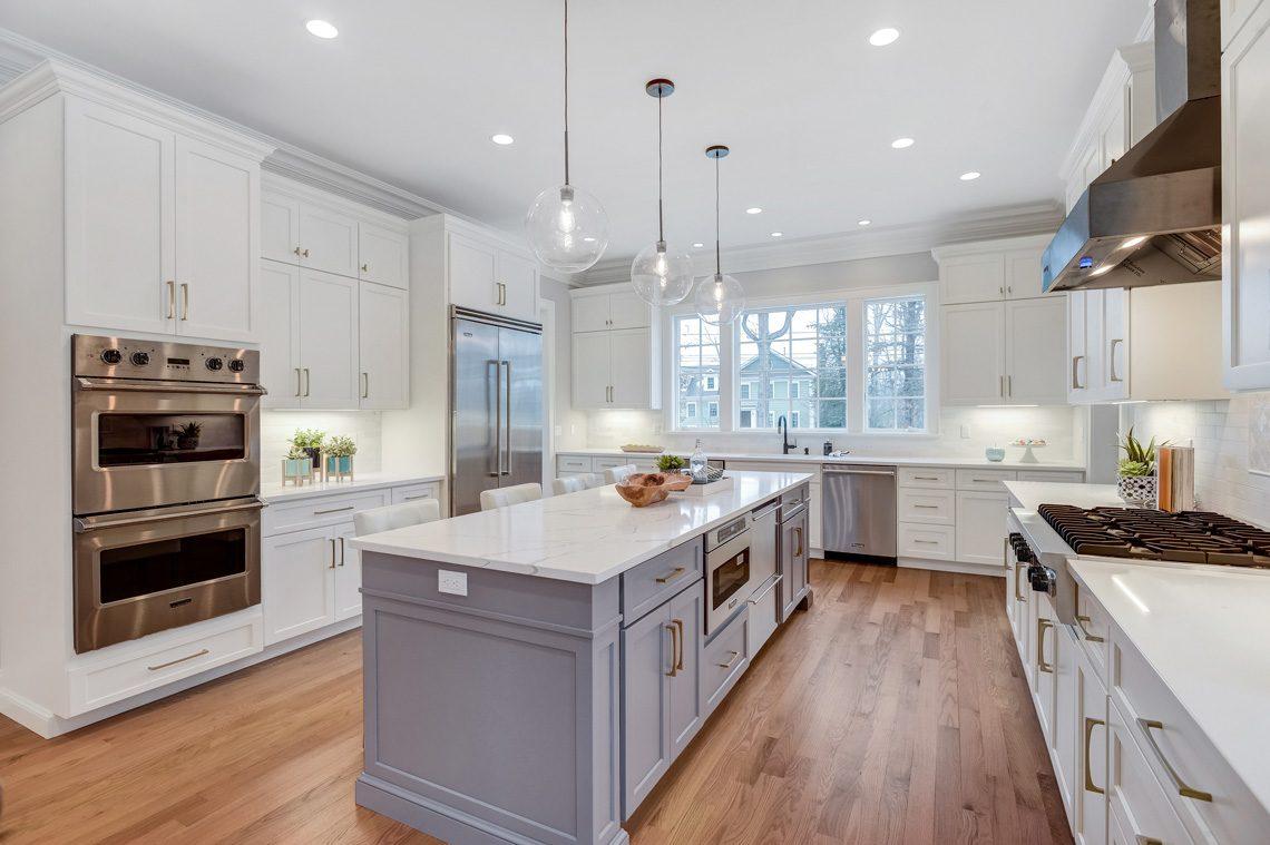 6 – 16 Sheridan Drive – Kitchen