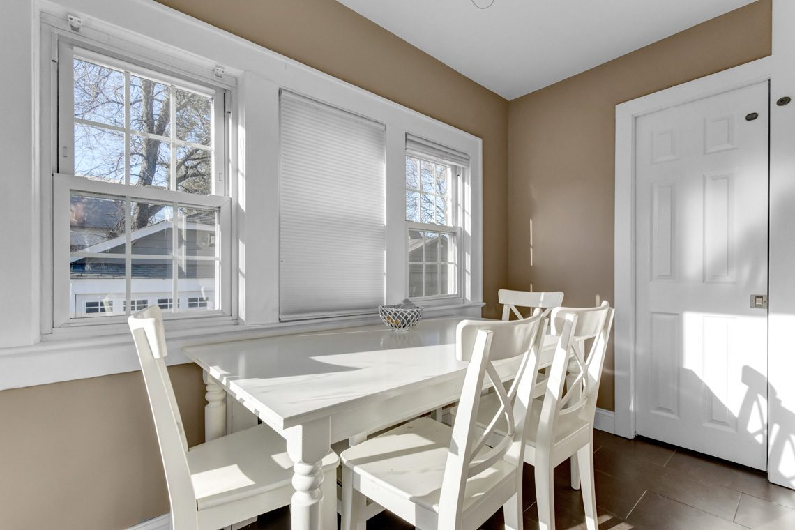 9 – 45 Parkview Drive – Sunlit Breakfast Room