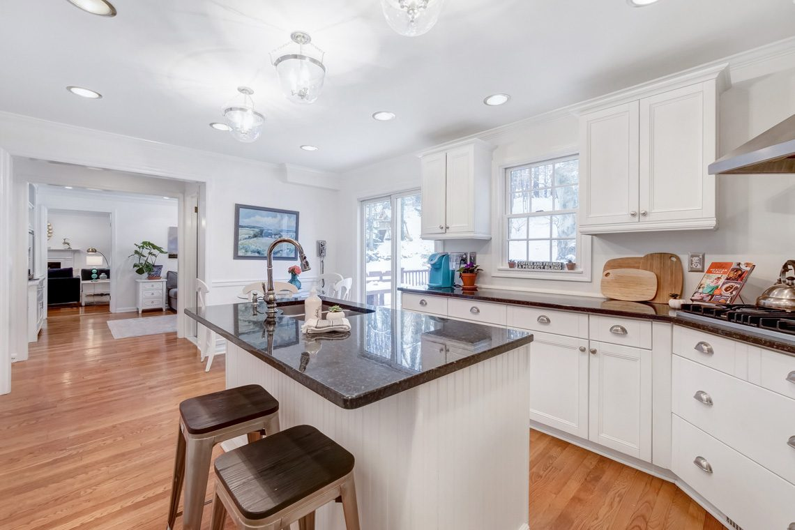 11 – 29 Byron Road – Gourmet Eat-in Kitchen