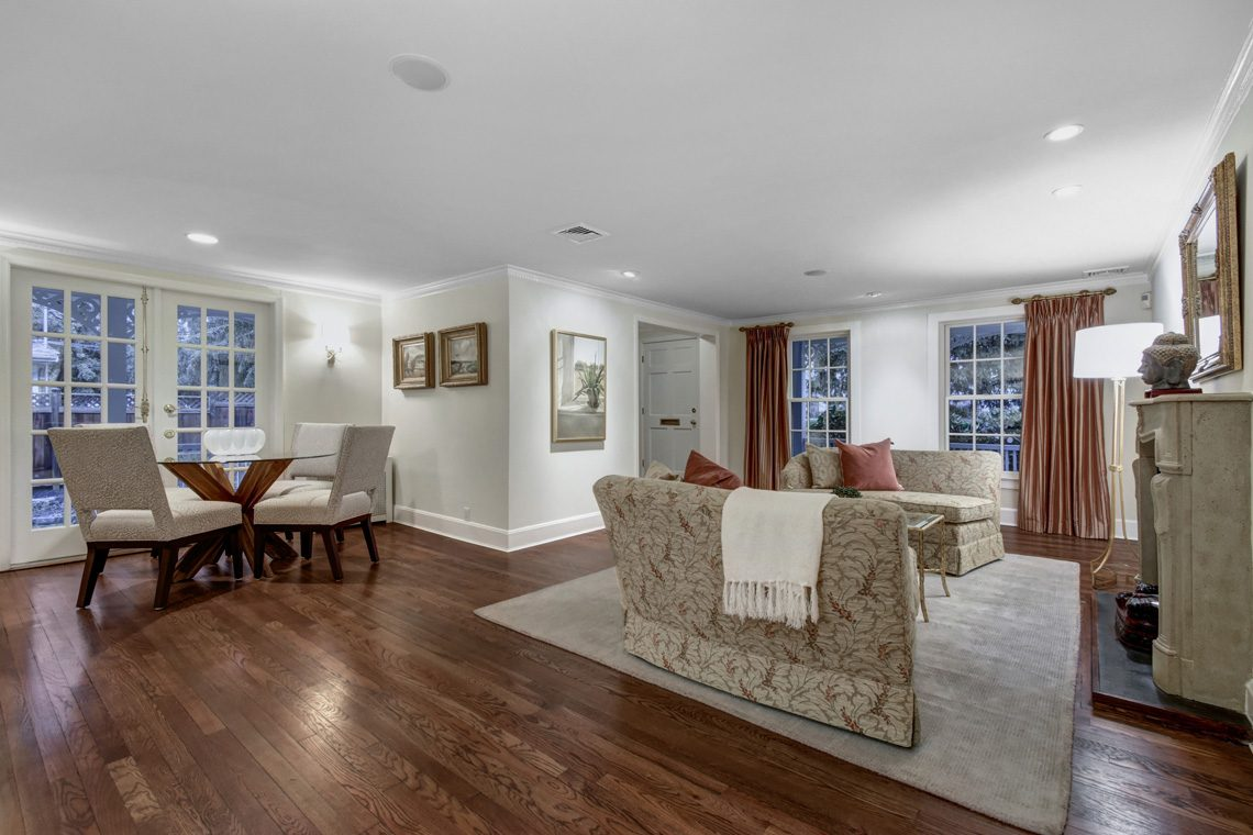 11 – 438 White Oak Ridge Road – Living Room