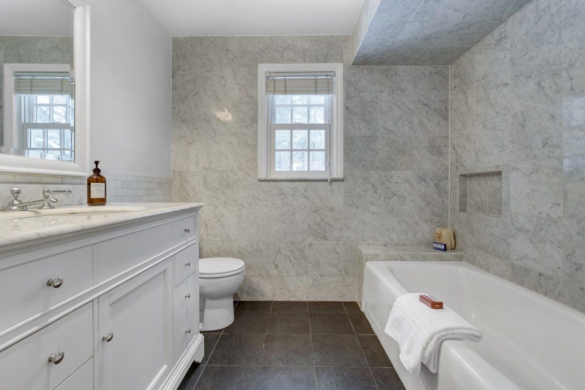 19 – 29 Byron Road – Stunning Hall Bath