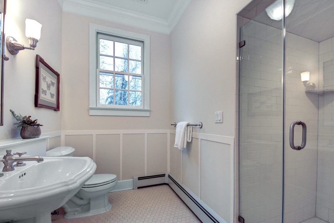 22 – 438 White Oak Ridge Road – Full Bath