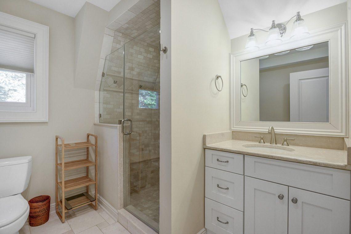 22 – 81 Farley Road – En Suite Bath