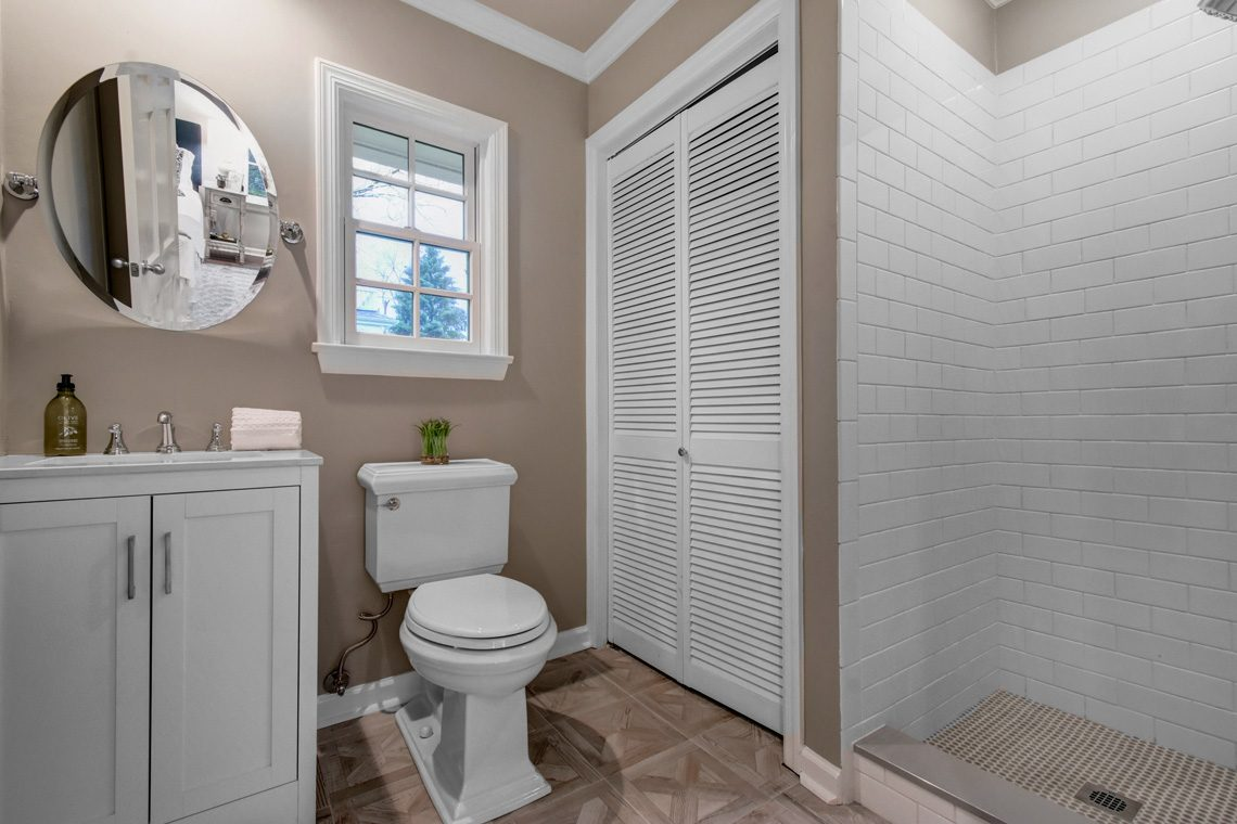 24 – 438 White Oak Ridge Road – Guest House Bath