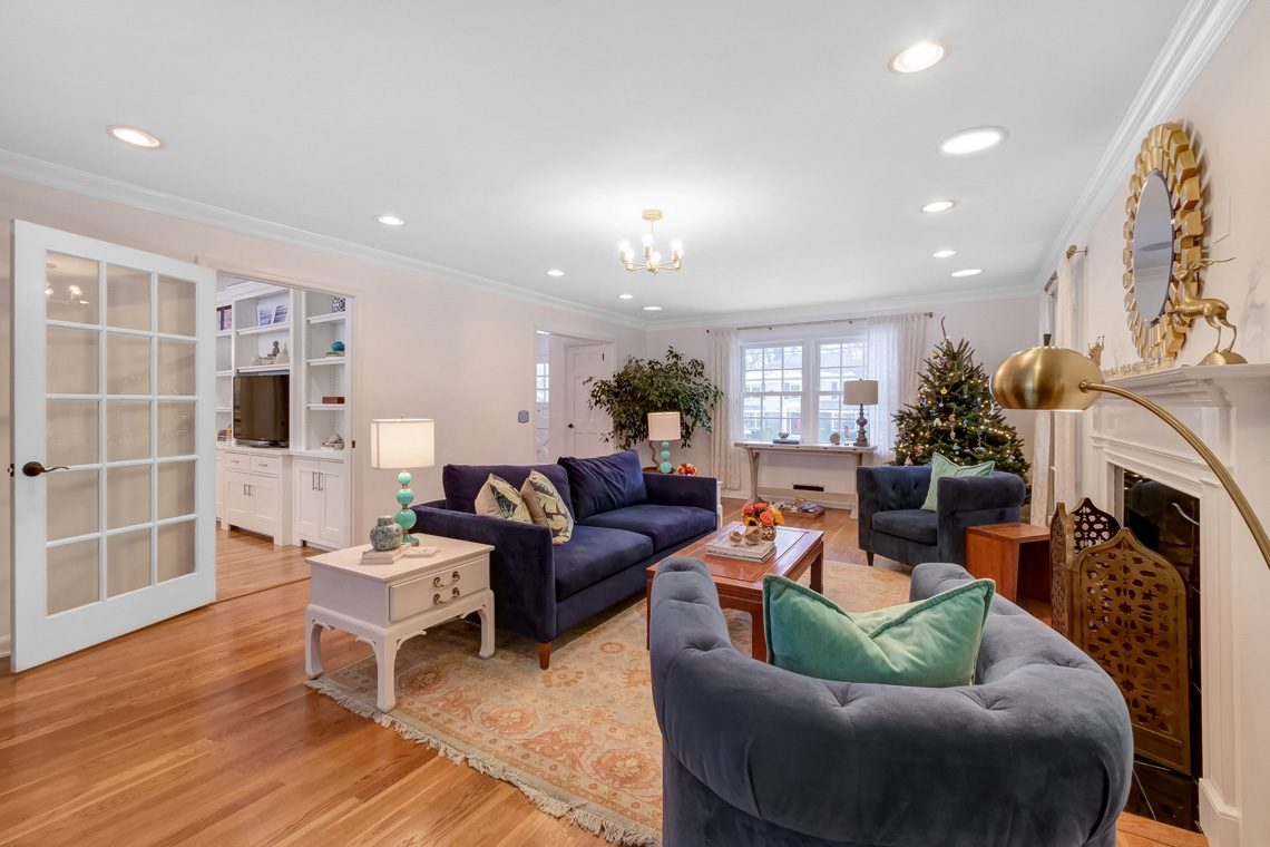 5 – 29 Byron Road – Living Room into Family Room