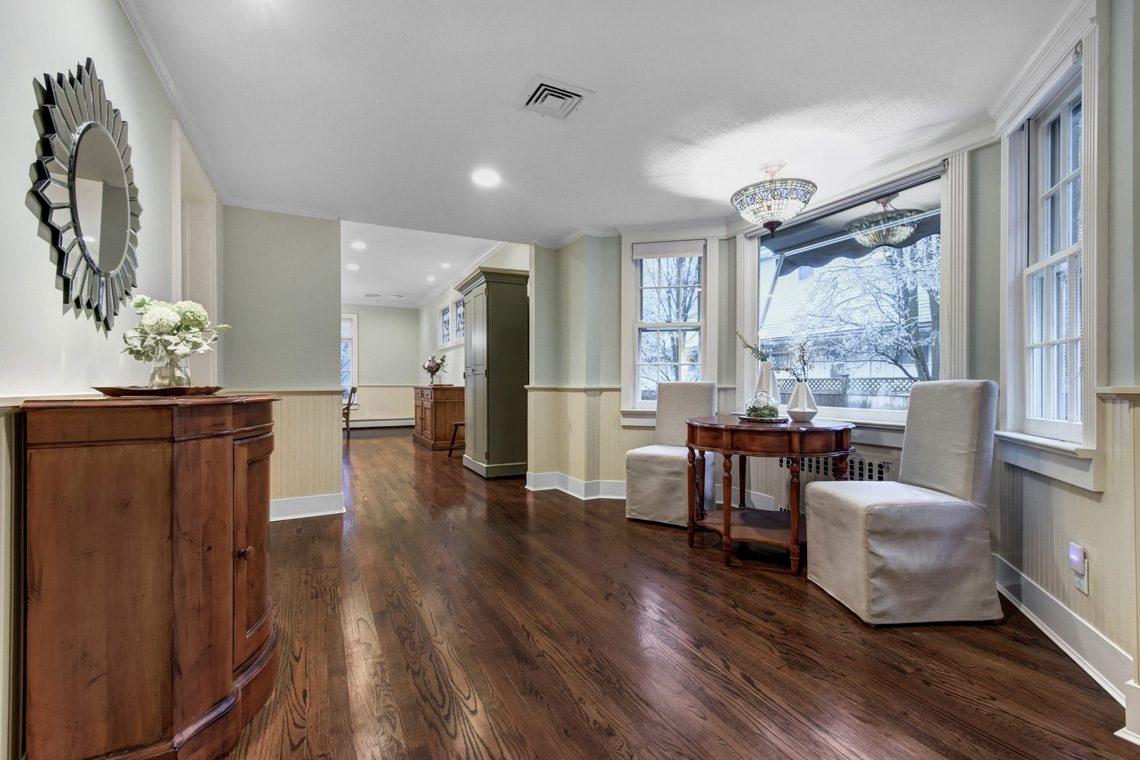 5 – 438 White Oak Ridge Road – Foyer