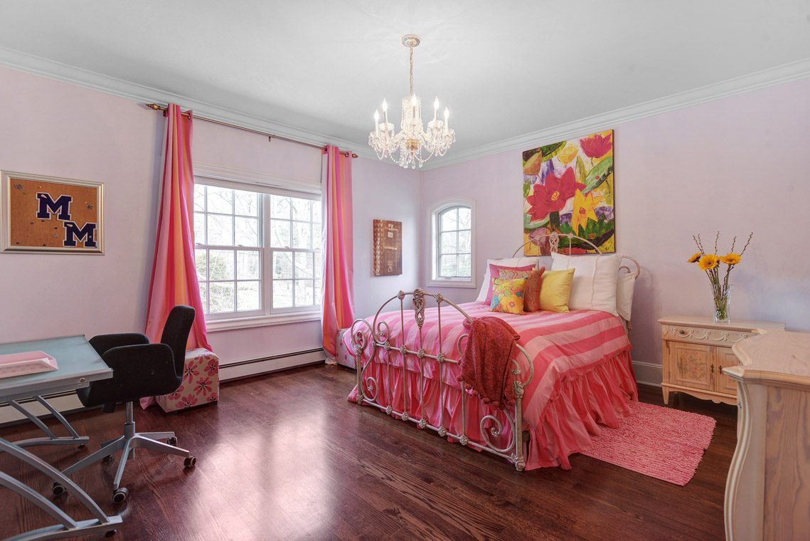 18 – 35 Lakeview Avenue – Bedroom