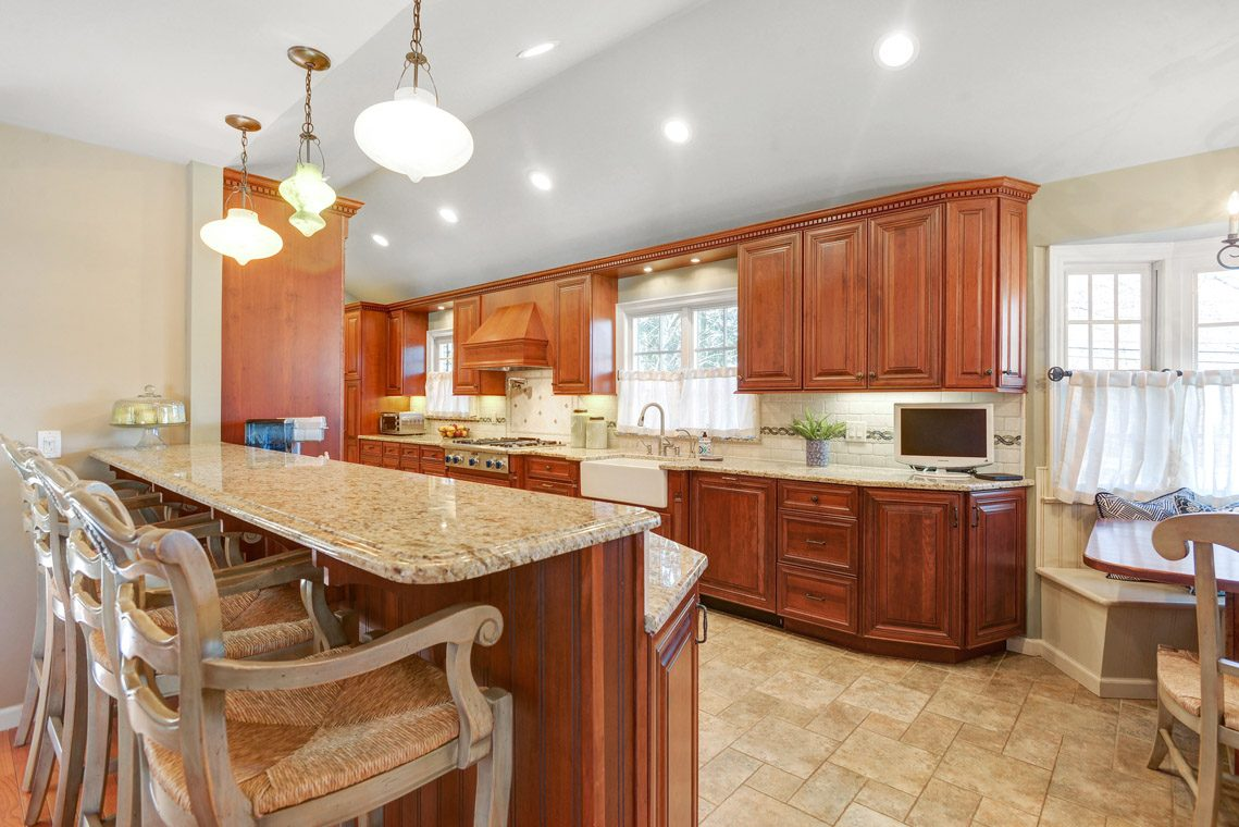9 – 360 Long Hill Drive – Kitchen