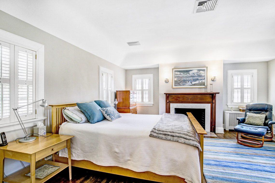 10 – 136 Hobart Avenue – Master Bedroom