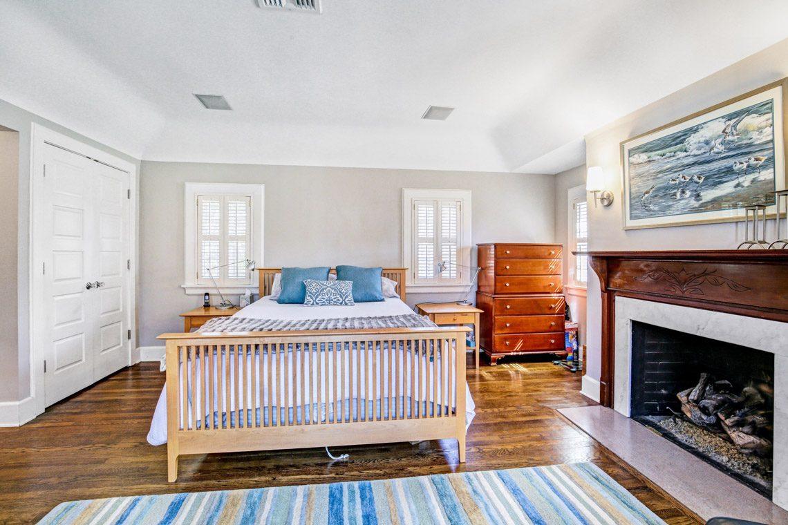 11 – 136 Hobart Avenue – Master Bedroom