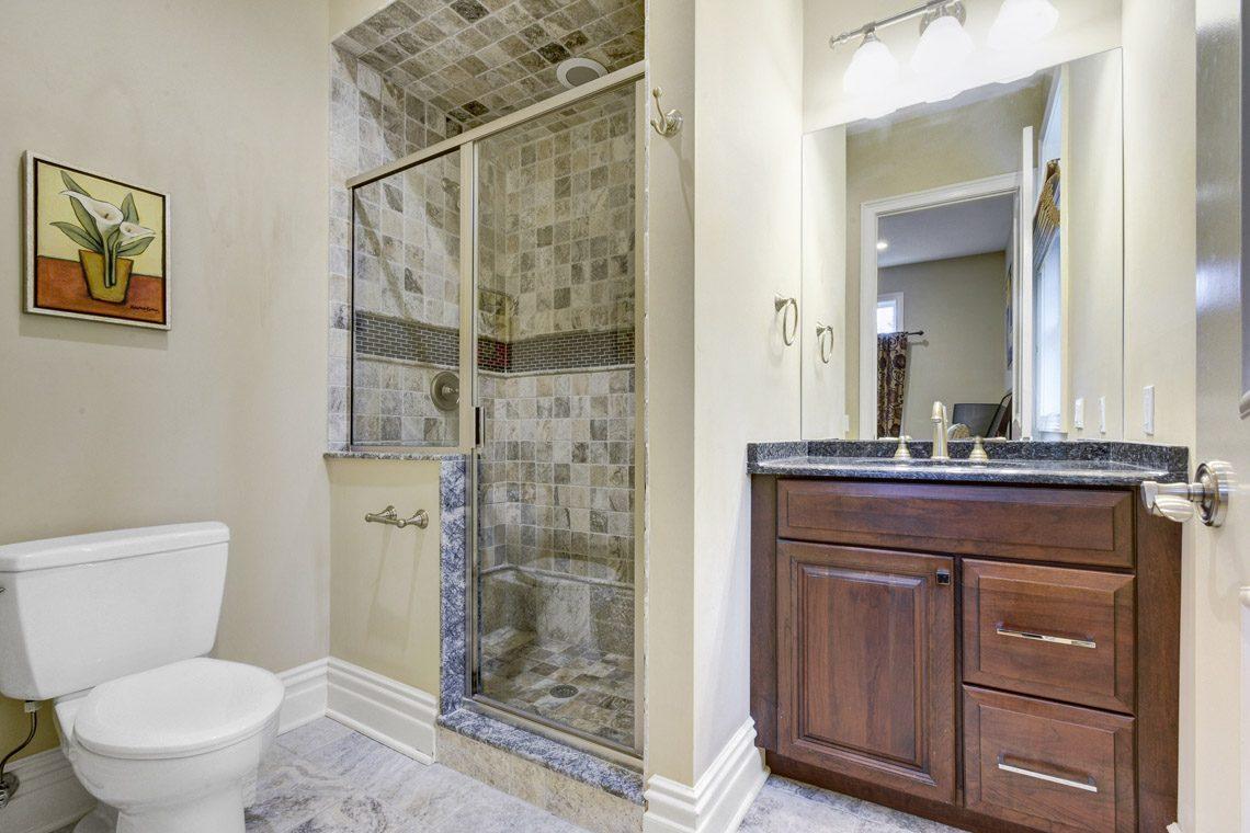 14 – 7 W Beechcroft Road – In-law Suite Bath