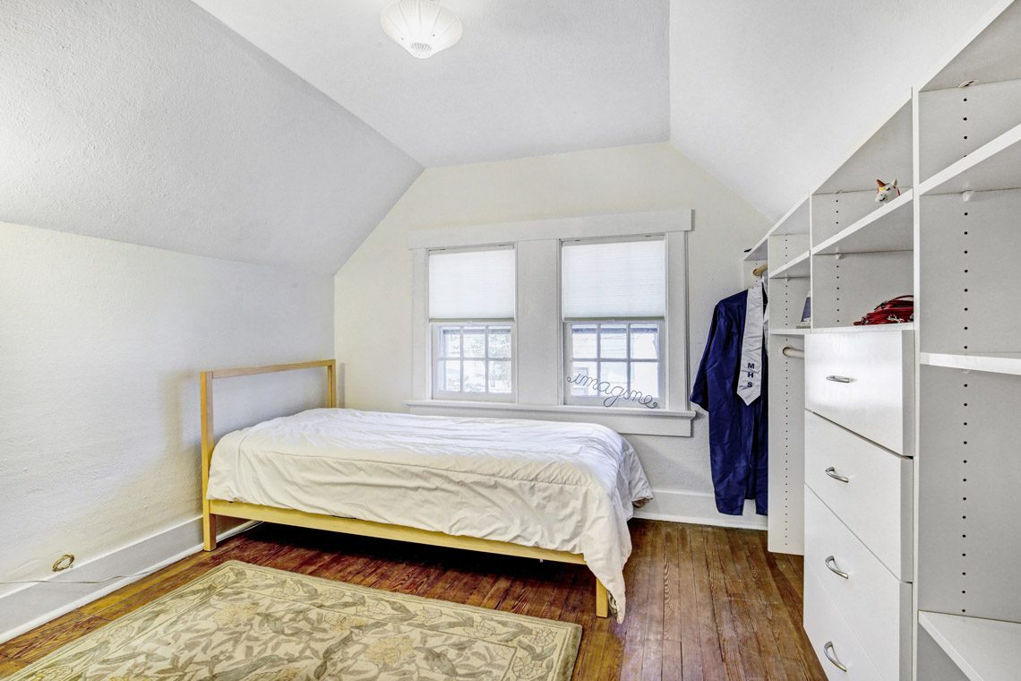 18 – 136 Hobart Avenue – Bedroom 5