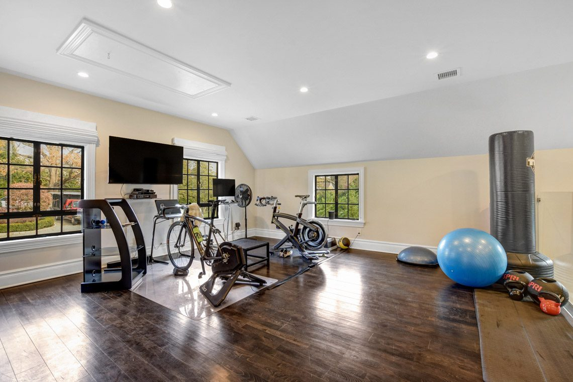 23 – 276 Hobart Avenue – Carriage House Exercise Room