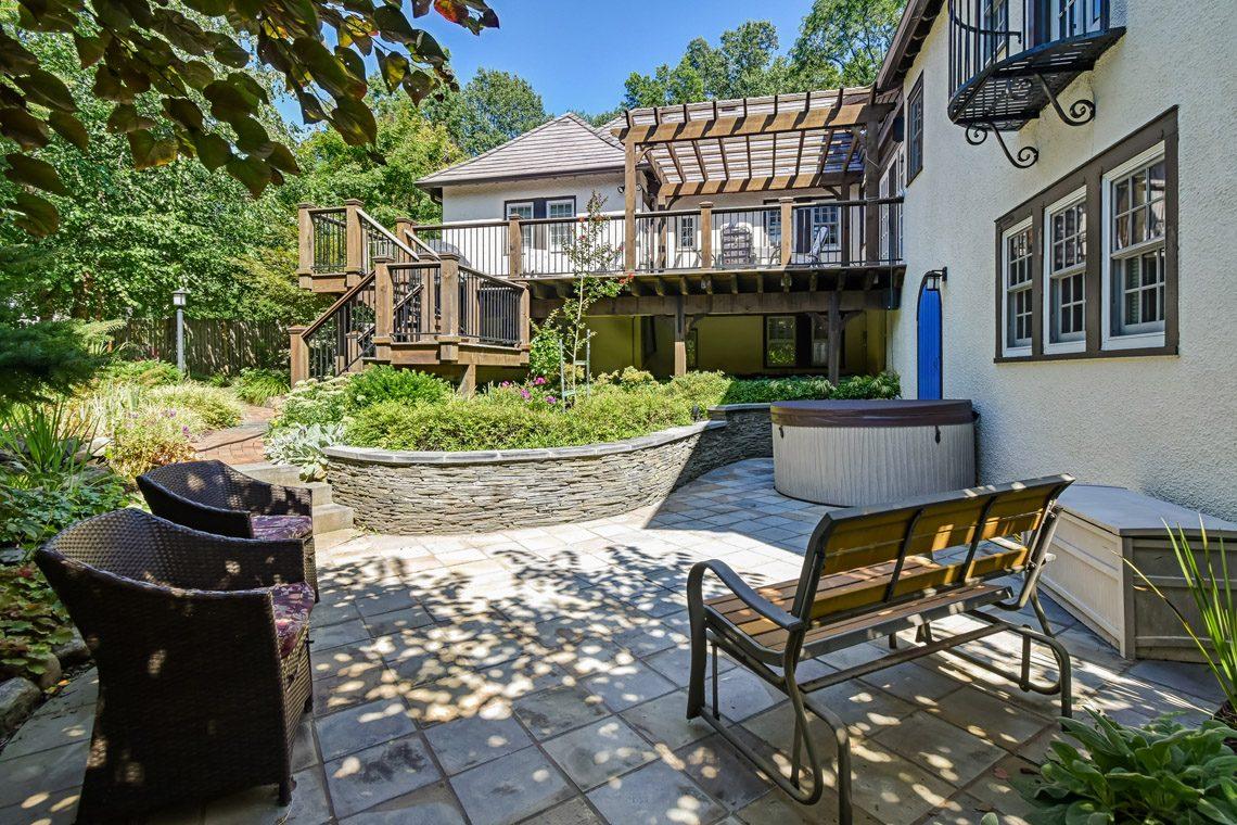 24 – 136 Hobart Avenue – Serene Backyard