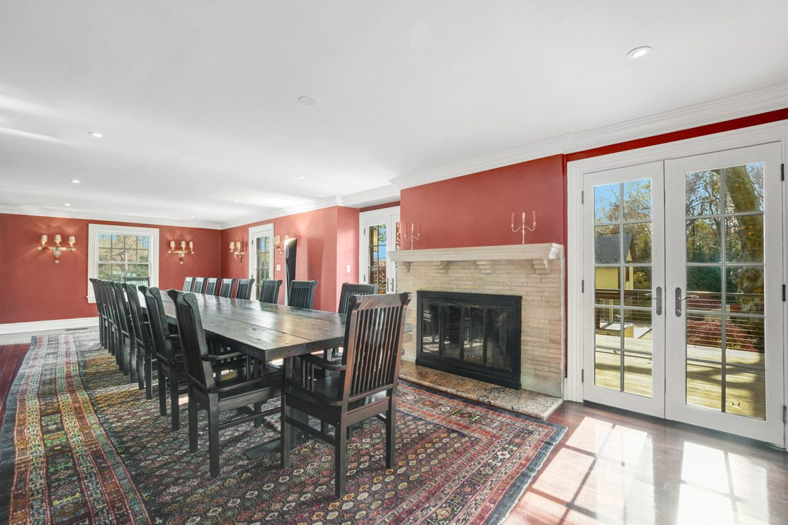 7 – 276 Hobart Avenue – Dining Room