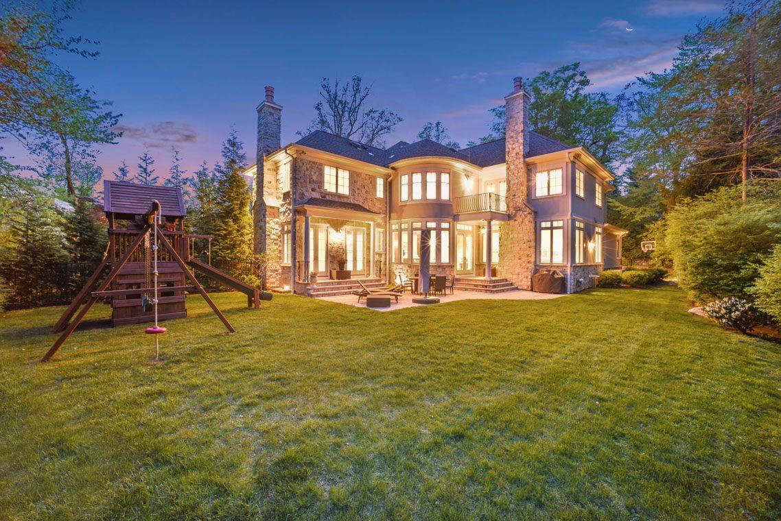 23 – 24 Delwick Lane – Incredible Backyard