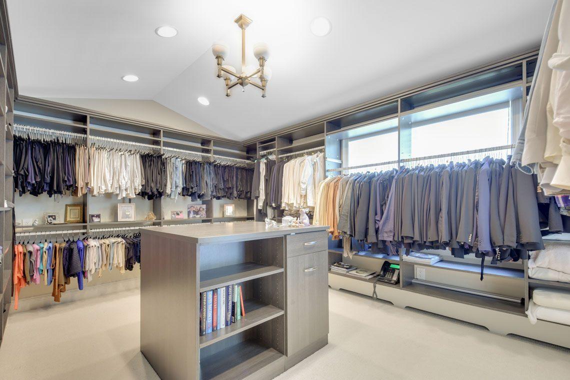 13 – 11 Hardwell Road – Master Walk-in Closet