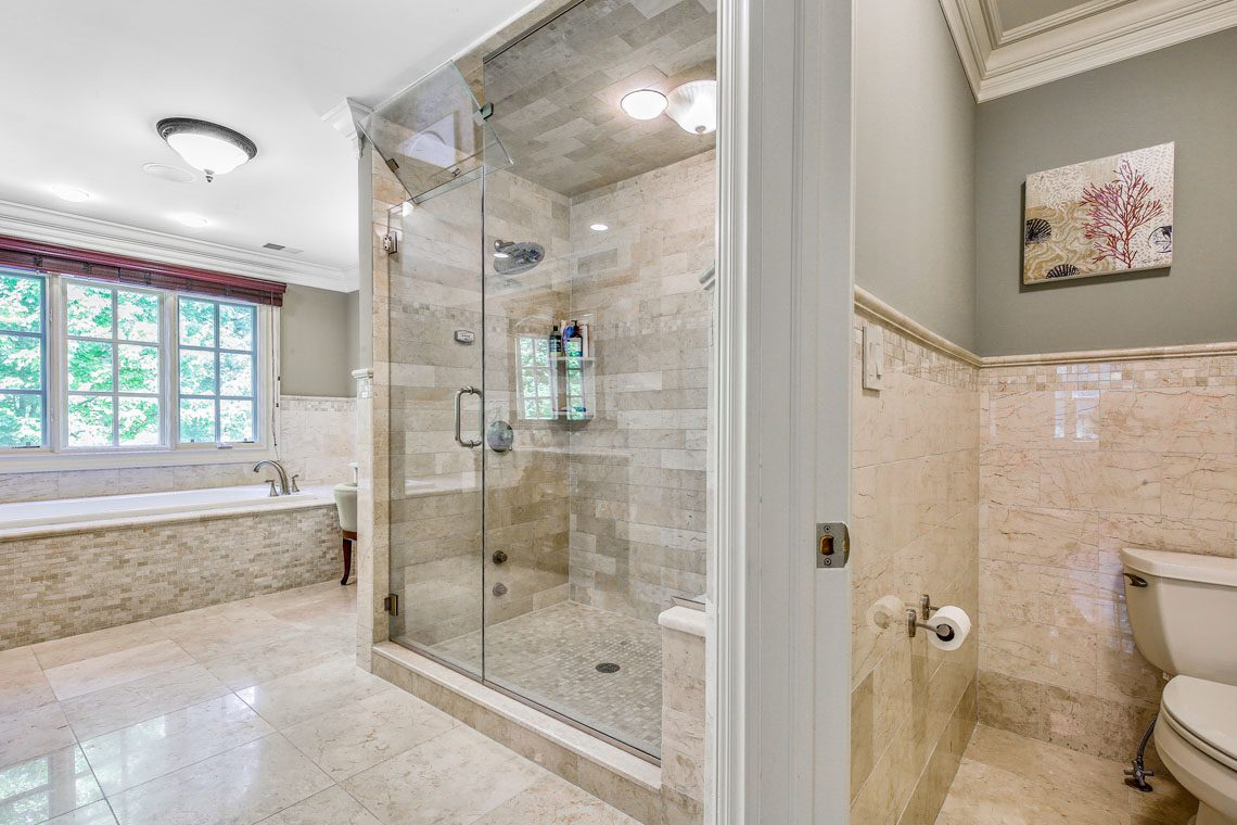 15 – 63 Addison Drive – Master Bath