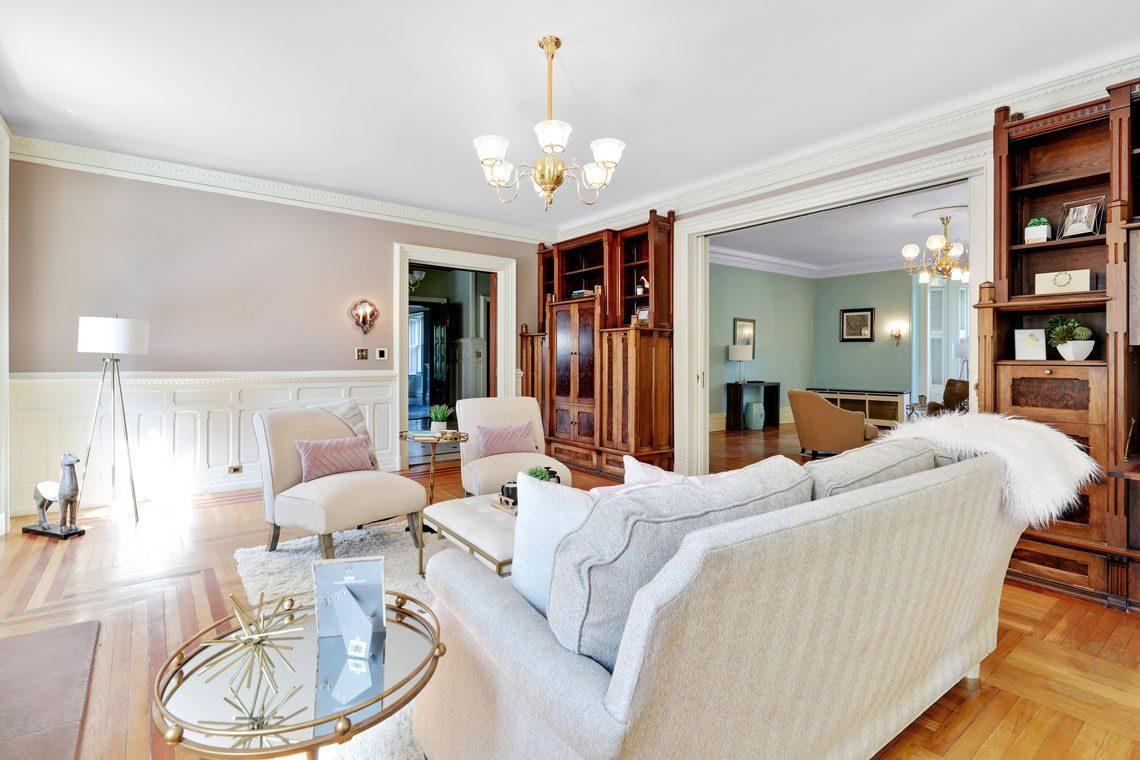 16 – 12 E Hartshorn Drive – Living Room