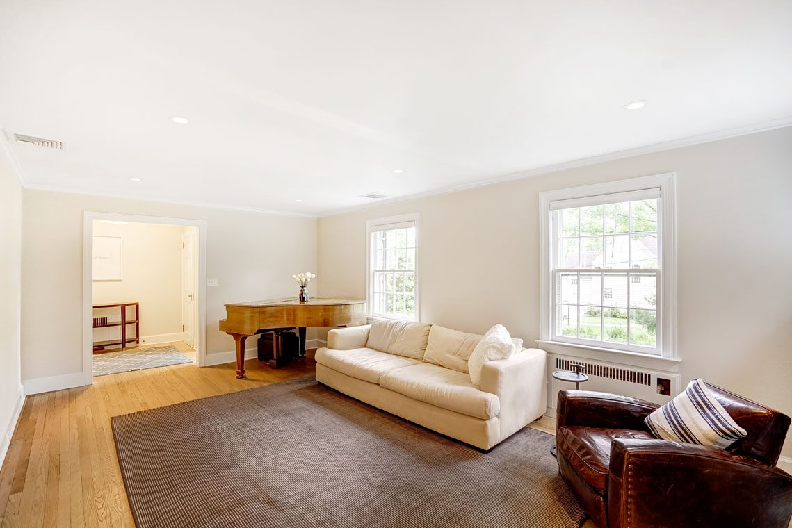 3 – 29 Haddonfield Road – Living Room