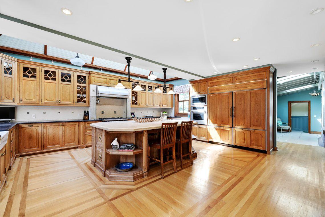 5 – 12 E Hartshorn Drive – Spectacular Kitchen