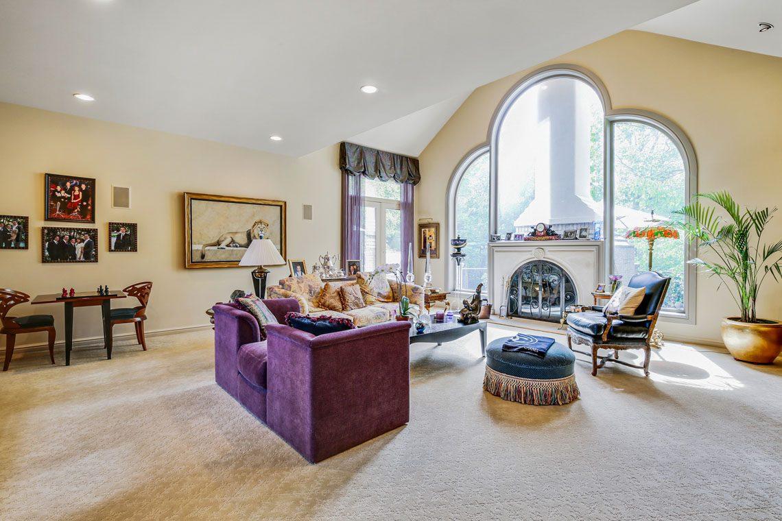 7 – 24 Mountain Ridge Drive – Great Room
