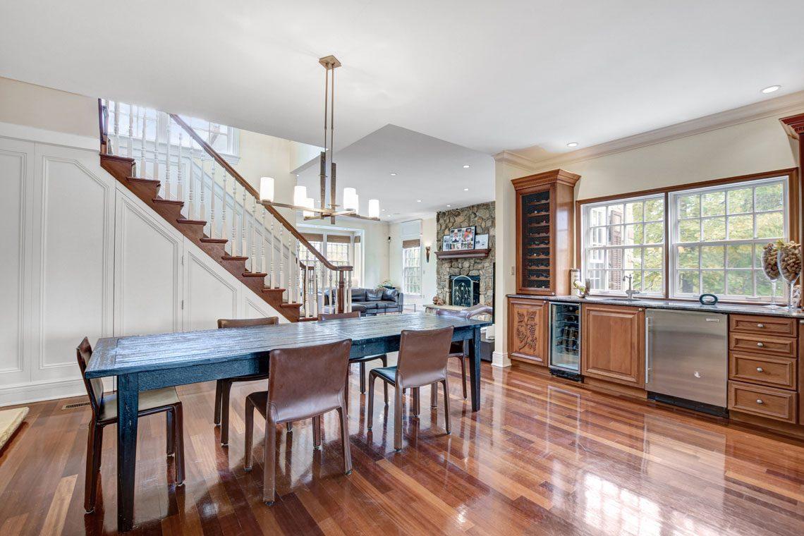 11 – 275 Hobart Avenue – Kitchen