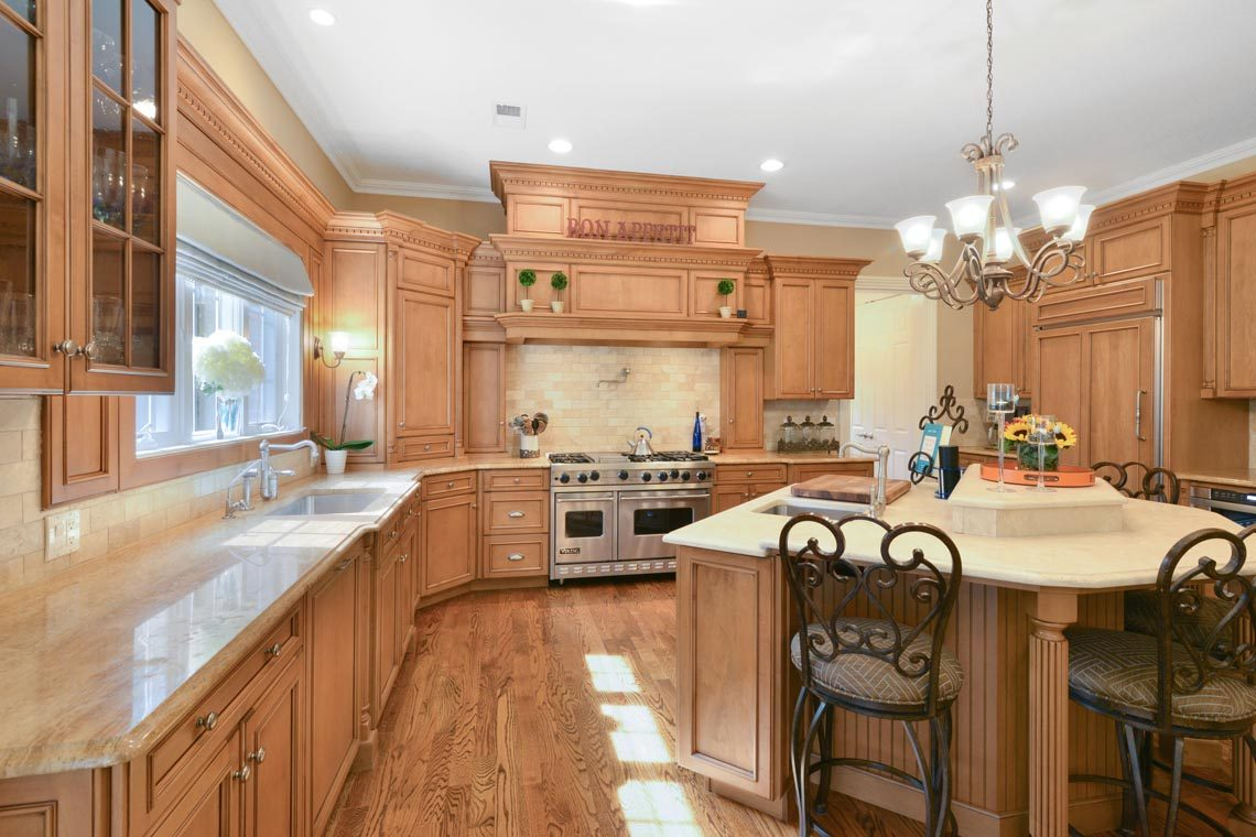 11 – 50 Hilltop Road – Kitchen