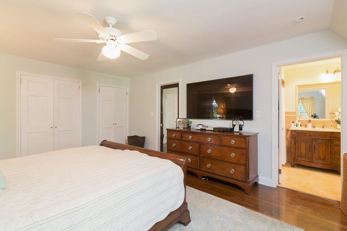 12 – 30 Delwick Lane – Master Bedroom