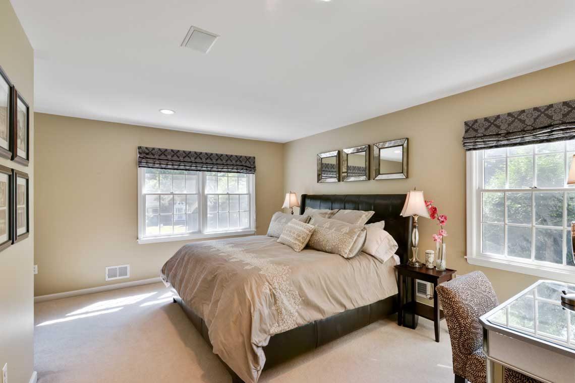 12 – 34 Seminole Way – Master Bedroom