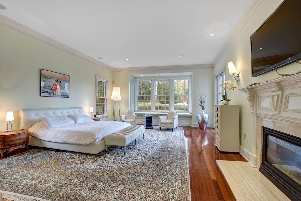 14 – 275 Hobart Avenue – Master Bedroom