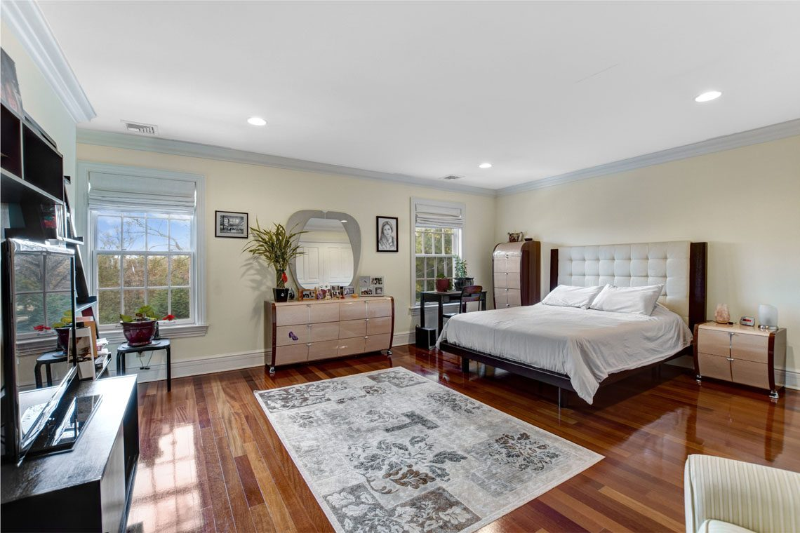 17 – 275 Hobart Avenue – Bedroom