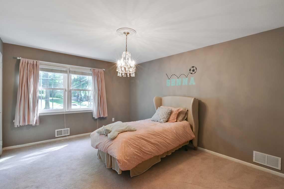 19 – 34 Seminole Way – Bedroom