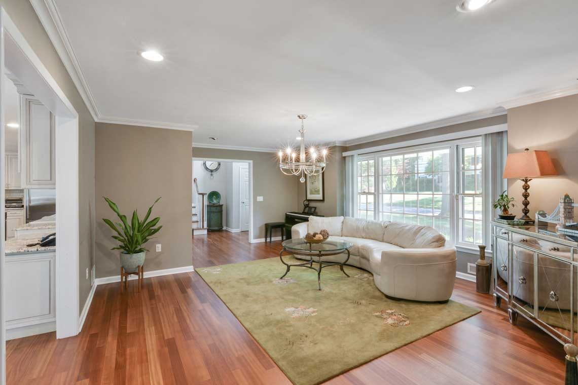 2 – 34 Seminole Way – Living Room
