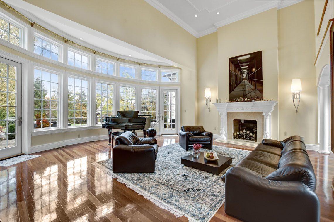 6 – 275 Hobart Avenue – Great Room