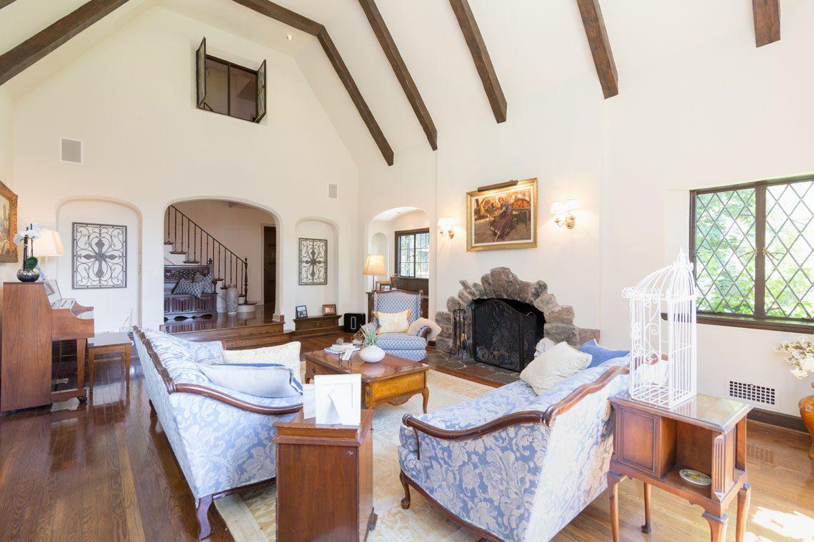 6 – 30 Delwick Lane – Great Room