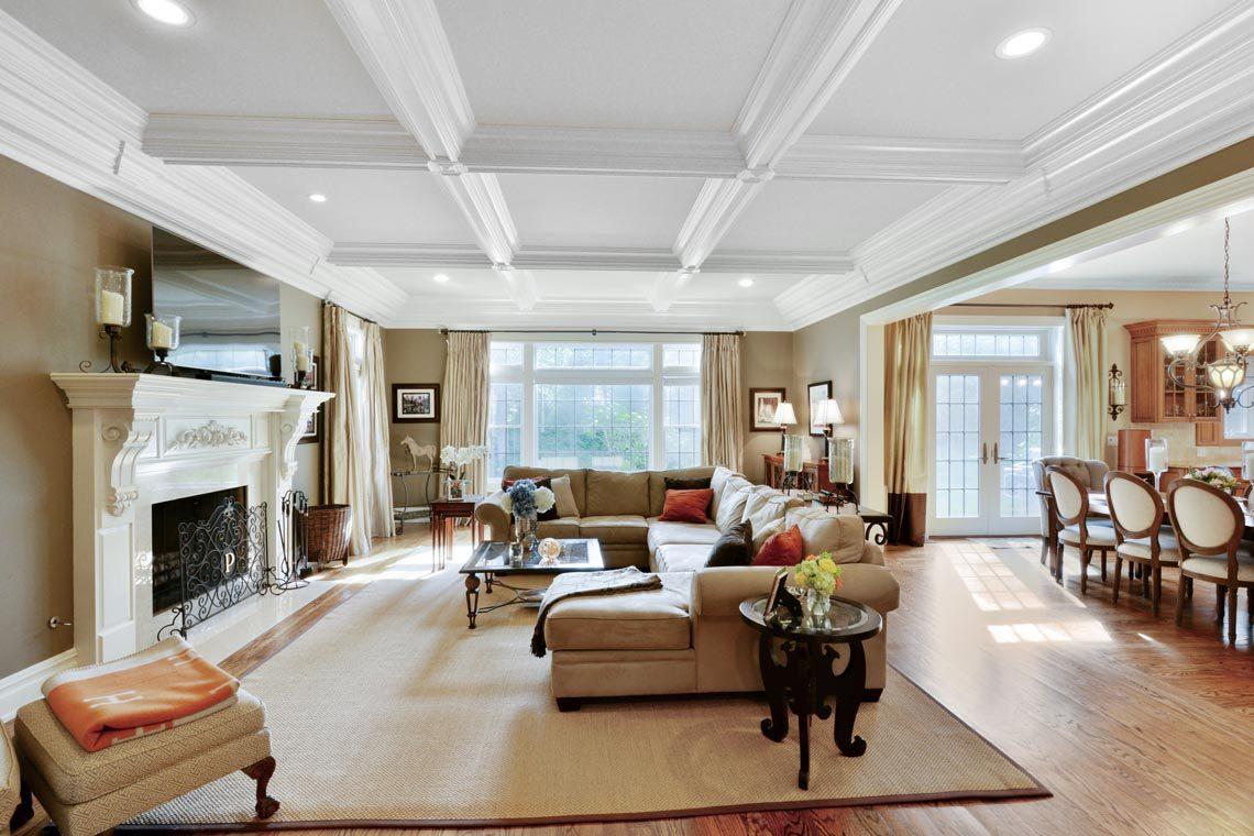 6 – 50 Hilltop Road – Family Room (1)